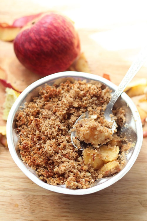 Quickest, easiest, healthiest and simplest apple crisp recipe ever! (Uses Stale bread!)