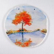 陶板画-湖畔に映る紅葉-下絵付けによる風景画の画像