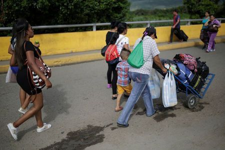 SOCIALISM DOESN'T WORK:  Bad Economy - Venezuelan women flock to Colombia border town to sell hair