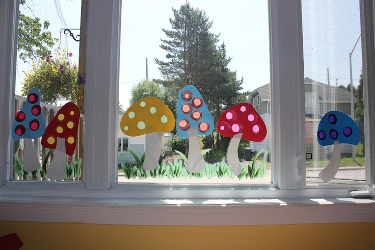 seltsame Pilze für die Fenster, so wird der Herbst bunt