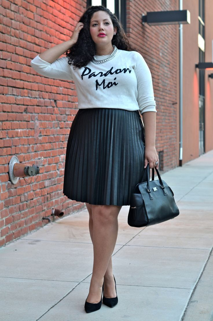5 stylish ways to wear a plus size pleated skirt as a plus ...