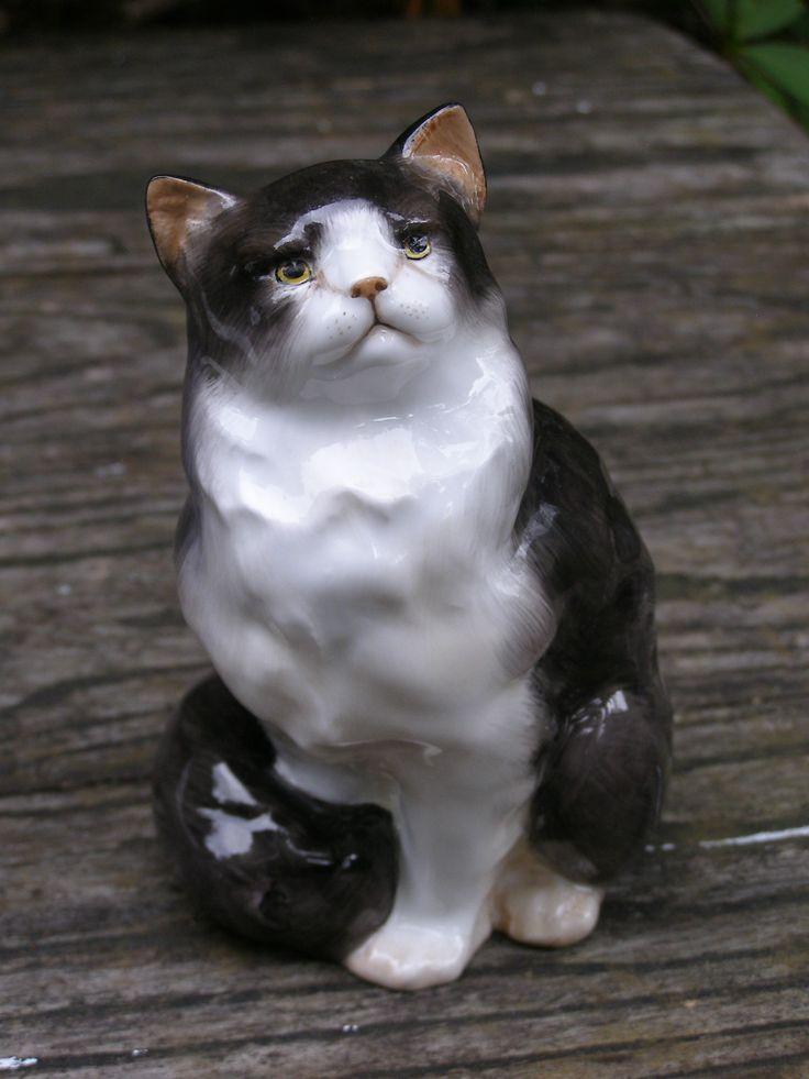 Black Siamese Cat Statues