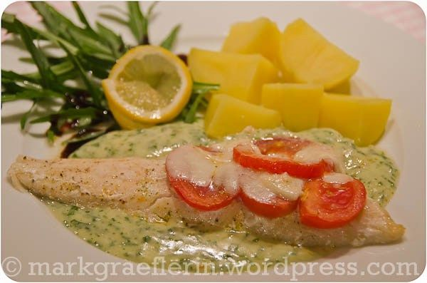pikeperch fillets with basil sauce, potatoes and rocket