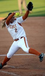 Hoagland homers twice, lifting No. 7/7 Softball to 4-1 win at Texas Tech