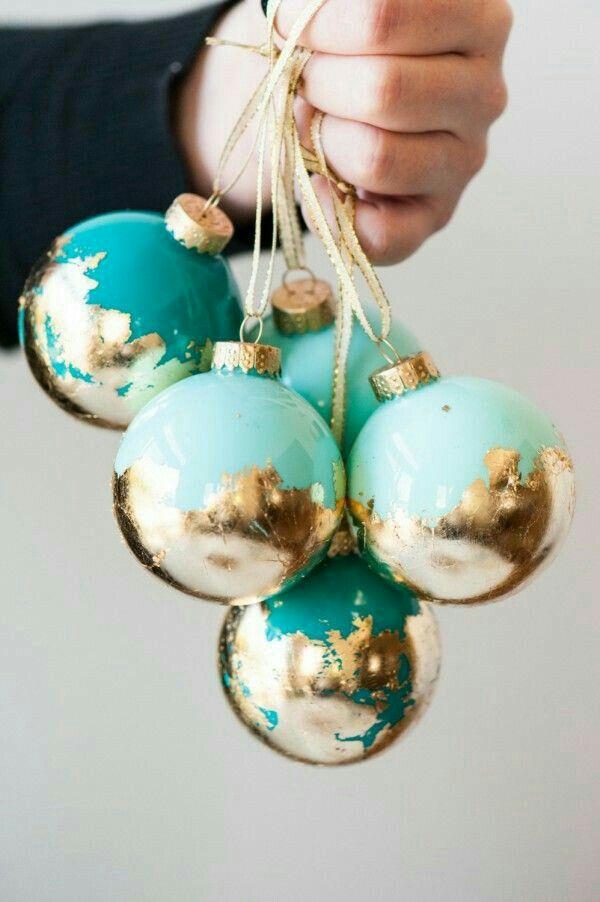 DIY Xmas ornament with gold leaf