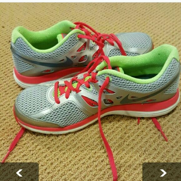 *bargain! Women's Nike Sneakers Size 6.5 Never worn, or maybe once Nike Shoes Sneakers