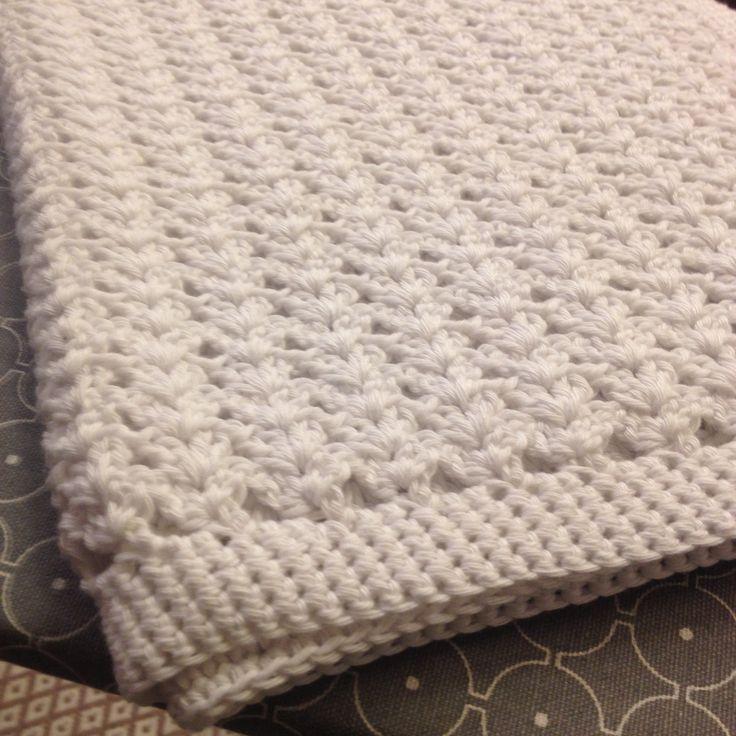 Virkattu vauvan peitto - crochet baby blanket.