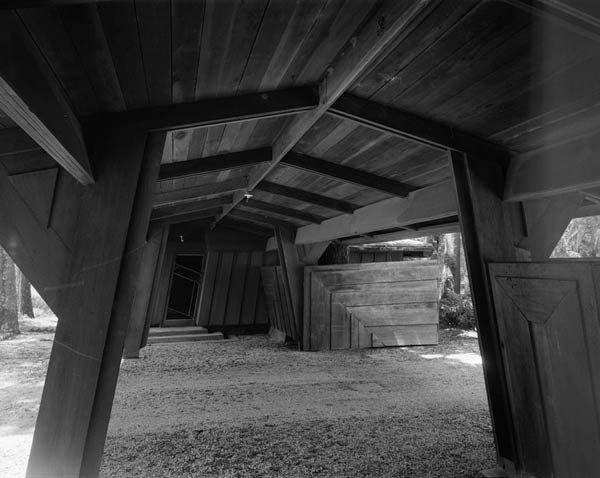 Органическая архитектура: Фрэнк Ллойд Райт (Frank Lloyd Wright): Auldbrass Plantation (C. Leigh Stevens House), Yemassee, South Carolina («Auldbrass», дом и дополнительные сооружения Лейга Стивенса, Иемасси, Южная Каролина), 1940—1951