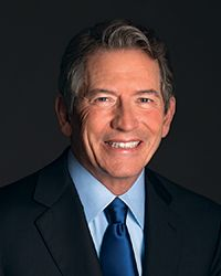 Thomas Siebel (1952—)(BA '75, history; MBA '83; MS '85, computer science) is arguably one of the most successful American businessmen of the past two decades. He is best known as founder, chairman, and CEO of Siebel Systems. He has donated millions to the University of Illinois, including the University's largest gift on record, in 2007, when he pledged $100 million for science and engineering research.