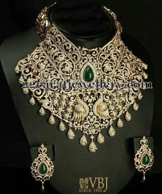 Jewellery Designs: Dancing Peacock Diamond Necklace