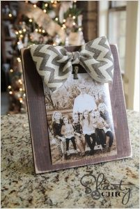 10 Unique and Cool Picture Frame Ideas 8