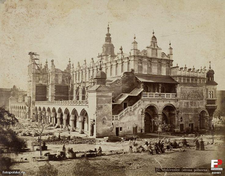 Sukiennice, Kraków - 1878 rok, stare zdjęcia / Lata 1876-1879 , Sukiennice w Krakowie w l. 70. XIX w. Fot. Ignacy Krieger.