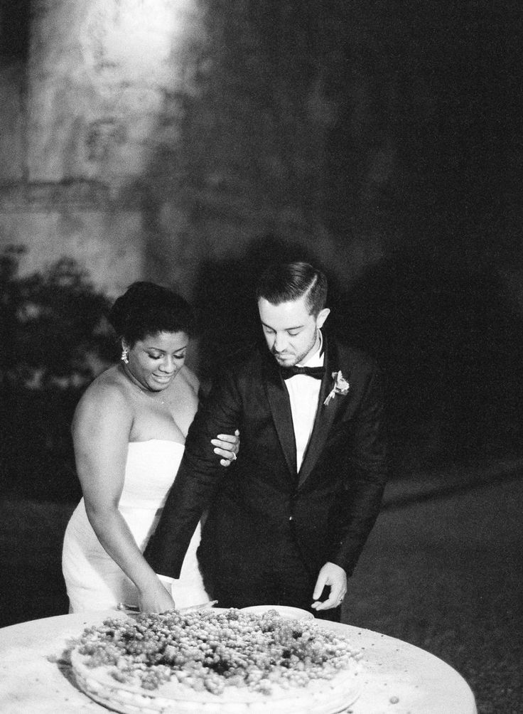 Photography: Vicki Grafton Photography - vickigraftonphotography.com   Read More on SMP: http://www.stylemepretty.com/2016/01/18/intimate-tuscan-wedding-florence-engagement/