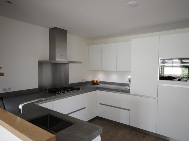 moderne-hoogglans-keuken-in-giessenburg