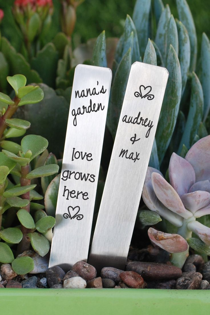 Personalized Garden Markers for Mother's Day Gifts!  Customize with your name for her and the kids!