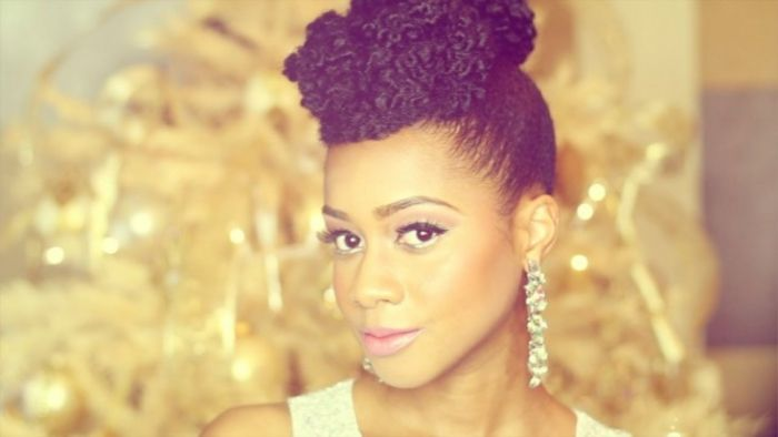 Read on to see how I achieved this kinky faux updo on my natural hair...