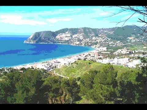 Aquest vídeo el vam fer amb el programa Movie Maker. Tracte sobre un viatge a Granada on es poden veure imatge de la ciutat tretes d'Internet, i en el meu cas, tambè personals.