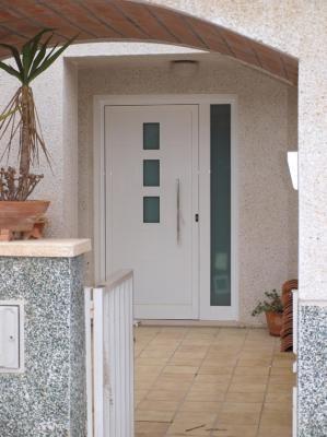47939 puertas de aluminio con paneles 299 - Paneles decorativos exterior ...