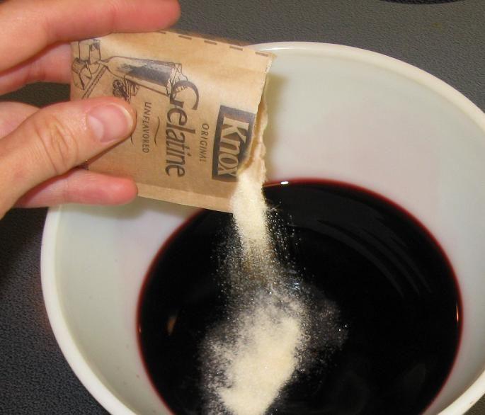 Homemade Jello with no artifical colors/sugar/aspartame..