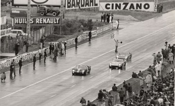 Shelby's team of GT40 beats the Italians at their own game coming in 1, 2 & 3 in Le Mans in 1966!: Leman, Ford 123, Gt40 Beats, Ford Gt40, Cars Bik, Man 1966, 1966 24, Ford 1 2 3, Le Mans