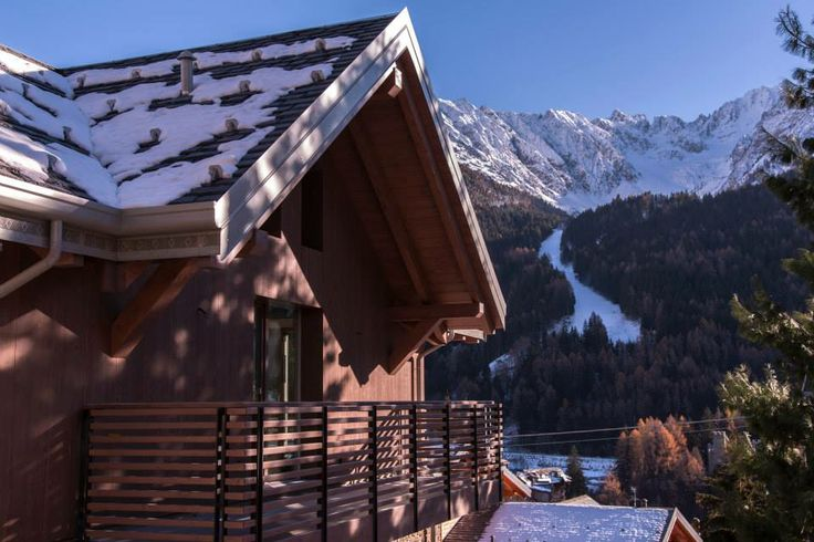 Residenza Brichetti 36 - Ponte di Legno Facciata dell'immobile di Skiline, in posizione esclusiva. #immobile #casa #montagna #pontedilegno