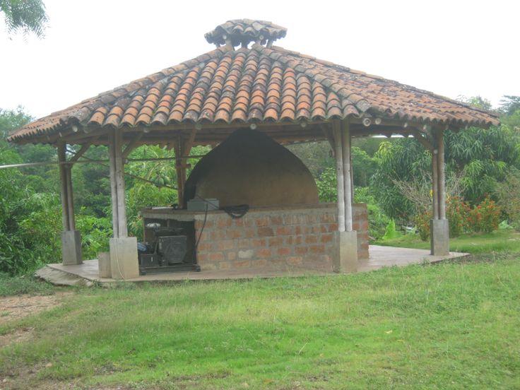 CONSTRUCCIÓN DE KIOSKOS Y TRABAJOS EN GUADUA,NATURALES,RÚSTICOS Y CAMPESTRES. CEL:320 416 3842