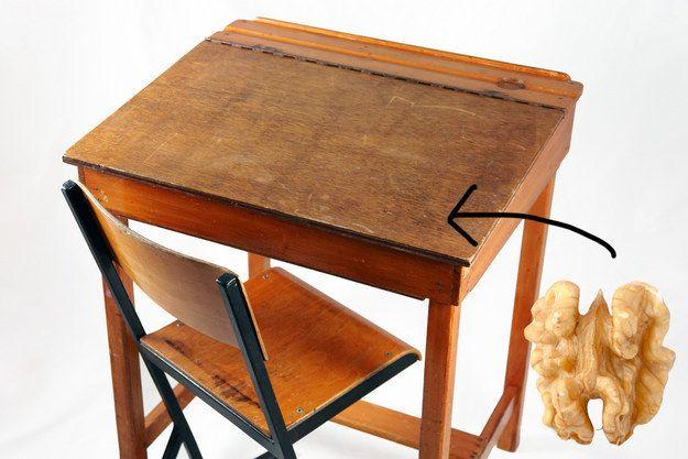Uklidit pomocí potravin: Odstraňte škrábance na nábytku pomocí vlašských ořechů
