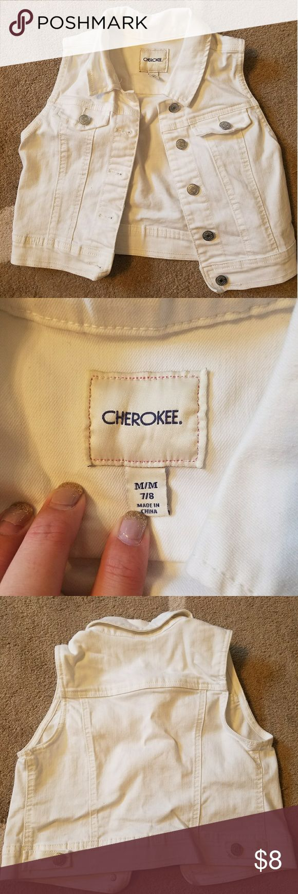 White jean vest M Cherokee white jean vest with buttons. Size M 7/8. Like new. Cherokee Shirts & Tops