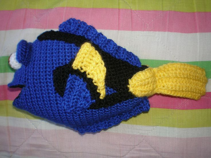 Dory from Finding Nemo - Amigurumi pattern in spanish, but hey, all you need is the number of stitches :)