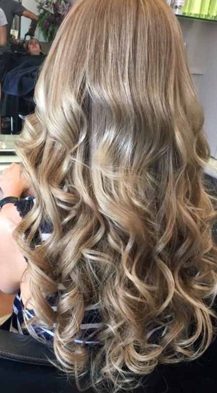 Gorgeous natural pure virgin Russian #hairextensions at Salon Shique. Only the best premium #hair for our fabulous clients! #melbourne #hairdresser #extensions #beauty