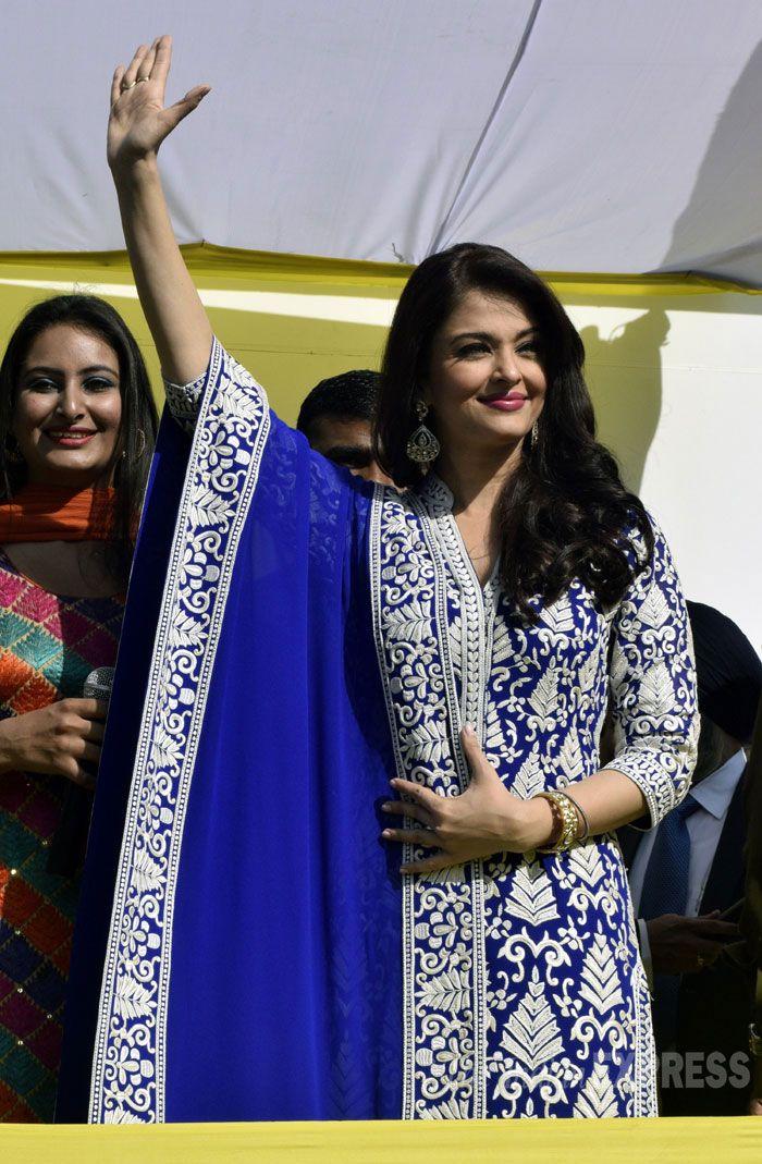 Aishwarya Rai Bachchan at the inauguration of a jewellery showroom in Amritsar. #Bollywood #Fashion #Style #Beauty