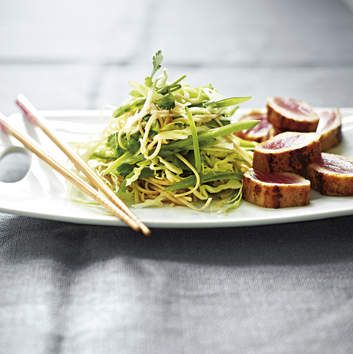 Michelle Bridges Grilled tuna with soba noodle salad.
