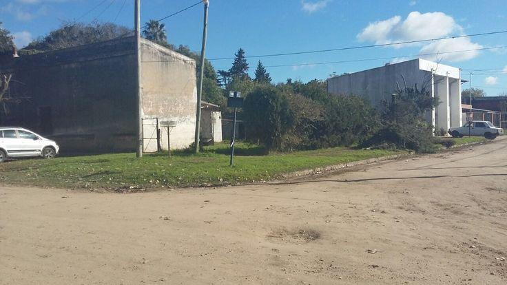 Esquina Delfina Beracochea y Continuación Belgrano (Gualeguay). Ramiro Chevasco, estudiante de 1º año 2ª división Profesorado Educación Primaria
