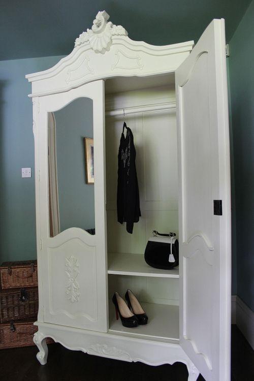 Exceptionnel Interior Of Large Cream Double Mirrored Armoire Wardrobe