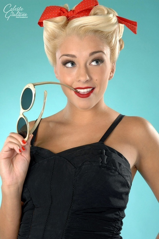 Pin-Up girl look for Krystle