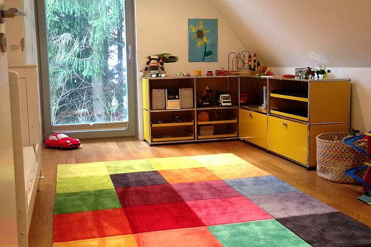 USM Haller Kinderzimmersideboard über Eck goldgelb