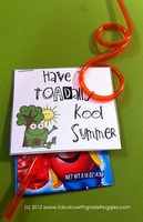 Cute end of the year treat! Great website for crafts to do with the kids or for the classroom