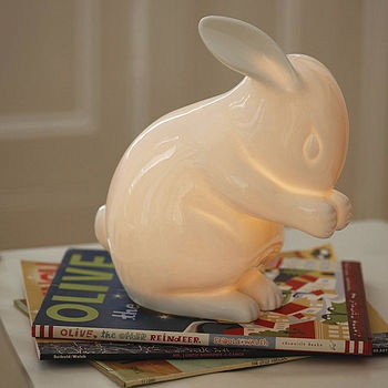 I love the smooth lines of this lamp and the adorable bunny pose!