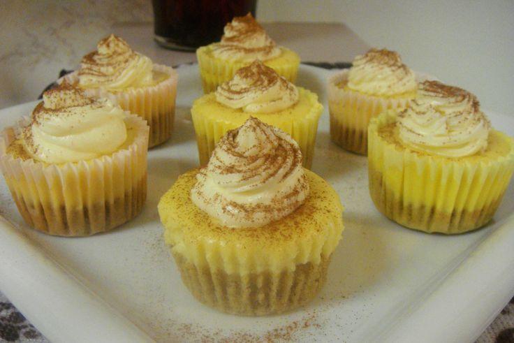Carrot Cake Cheesecake Cupcake Üçlüsü Tarifi nasıl yapılır? bu tarifin resimli anlatımı ve deneyenlerin fotoğrafları burada. Yazar: California LA - Turkey(azime)