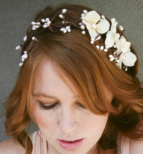 .: White Flower, Floral Headbands, Flower Headbands, Woodland Creatures, Woodland Wedding, Flower Girls, Bobby Pin, Bridal Hair Accessories, Bridal Headbands