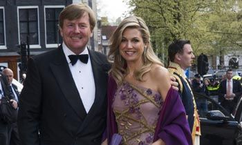 La reina Máxima canta a Guillermo de Holanda en su 50º cumpleaños