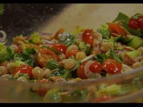 Receita: Salada de grão-de-bico com ervas - Receitas - Receitas GNT
