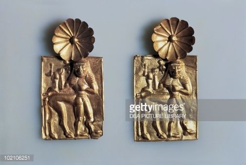 Stock Photo : Gold foils with figure of centaur, from Kamiro, Rhodes