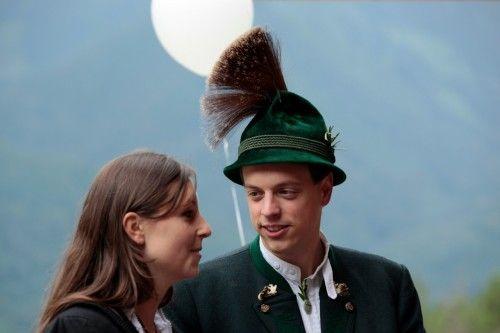 Am 27. und 28. Juli findet im Chiemgau das Gautrachtenfest unter der Schirmherrschaft von Herzogin Elisabeth in Bayern statt. Sie besuchen mit artattendance den riesigen Trachtenumzug mit ca. 3500 Trachtlern, 20 Musikkapellen und 30 Festwägen und erfahren Interessantes über bayerische Trachten, Kultur und Brauchtum.