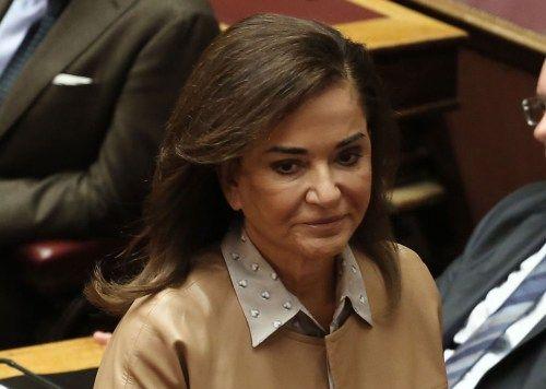 Μπακογιάννη: Απρεπής η δήλωση Σόιμπλε για το χρέος: «Απρεπή» χαρακτήρισε τη δήλωση Σόιμπλε, αναφορικά με το χρέος, η Ντόρα Μπακογιάννη,…