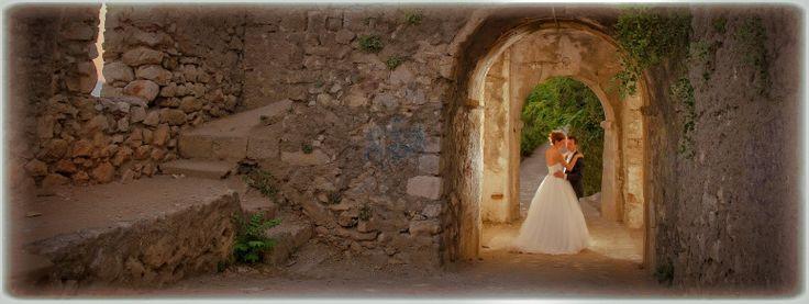 Καλλιτεχνικη φωτογραφηση γαμου στο Ναυπλιο. Μοναικδες φωτογραφιες γαμου στη γραφικη πολη του Ναυπλίου. Οι καλυτεροι φωτογραφοι γαμου στην Ελλαδα. Stephane Studio Wedding Photography Athens. Wedding Photography in Nafplio Greece.
