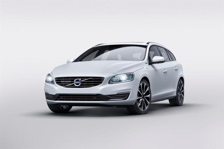 Au salon de Genève 2015, Volvo a présenté une version plus abordable et moins puissante de son break V60 hybride rechargeable