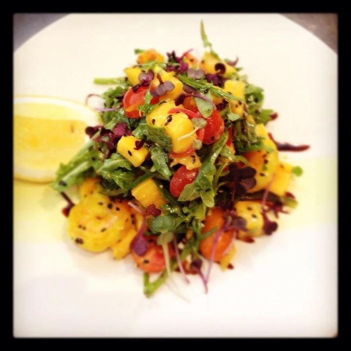 New avo saffron prawn and mango salad