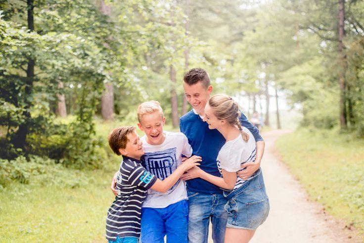 Zomerse familie fotoshoot Haarlem door fotograaf Haarlem Happy Photographer