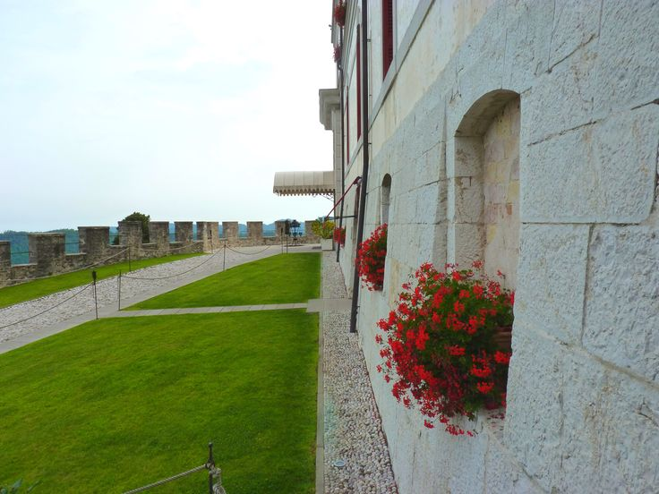 2000 anni di storia nelle mura di #CastelBrando... #castello #cisondivalmarino #storia #cultura #bellezza #castle #Italy